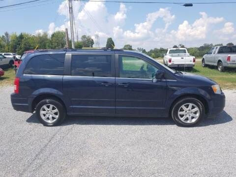 2008 Chrysler Town and Country for sale at CAR-MART AUTO SALES in Maryville TN