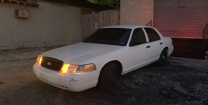 2004 Ford Crown Victoria for sale at Crescent Collision Inc. in Jefferson LA