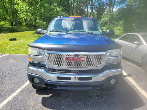2004 GMC Sierra 2500HD for sale at Sussex County Auto Exchange in Wantage NJ
