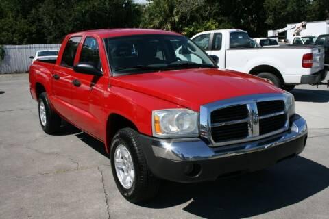 2005 Dodge Dakota for sale at Mike's Trucks & Cars in Port Orange FL