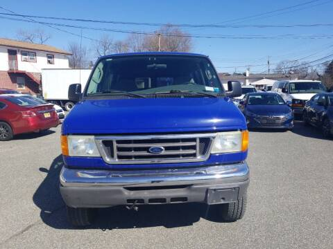 2006 Ford E-Series Cargo for sale at AutoConnect Motors in Kenvil NJ