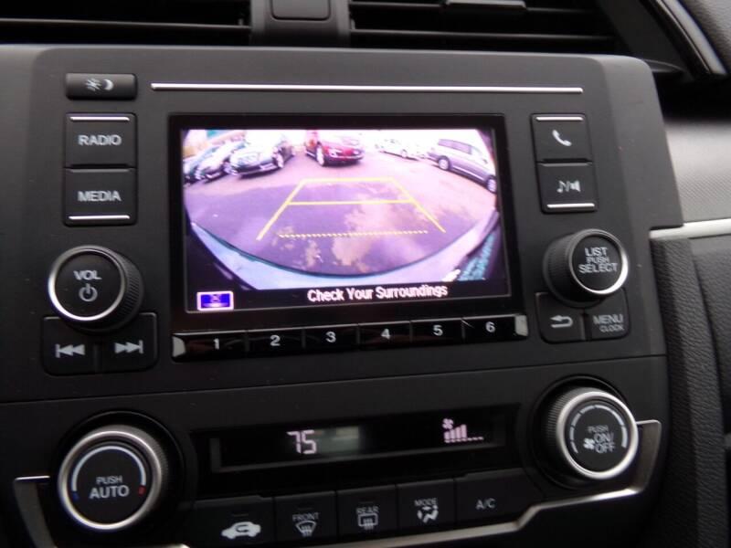 2018 Honda Civic LX 4dr Sedan CVT - Oconomowoc WI