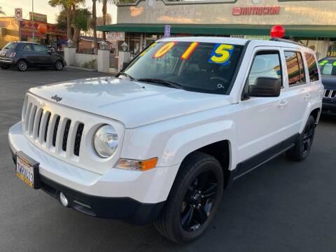 2015 Jeep Patriot for sale at La Mesa Auto Sales in Huntington Park CA