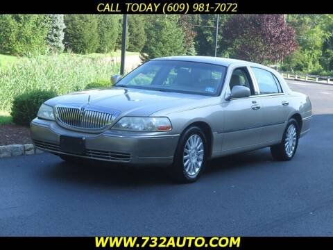 2004 Lincoln Town Car for sale at Absolute Auto Solutions in Hamilton NJ