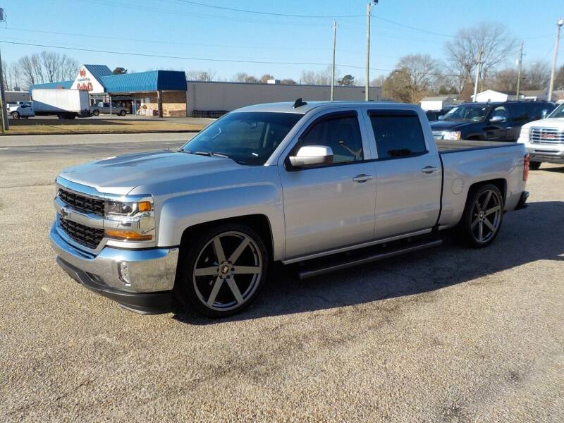 2018 Chevrolet Silverado 1500 for sale at Young's Motor Company Inc. in Benson NC