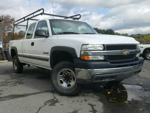 2001 Chevrolet Silverado 2500HD for sale at GLOVECARS.COM LLC in Johnstown NY