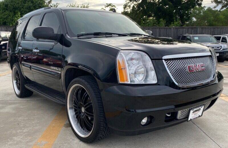 2007 GMC Yukon for sale at DYNAMIC AUTO GROUP in Houston TX