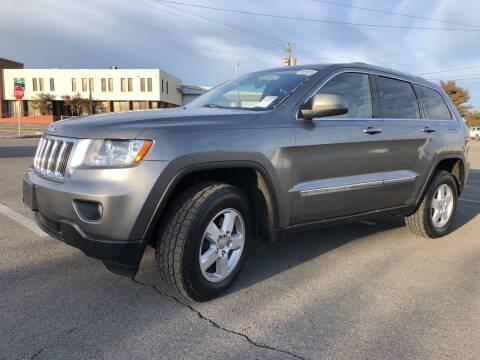 2012 Jeep Grand Cherokee for sale at Diana Rico LLC in Dalton GA