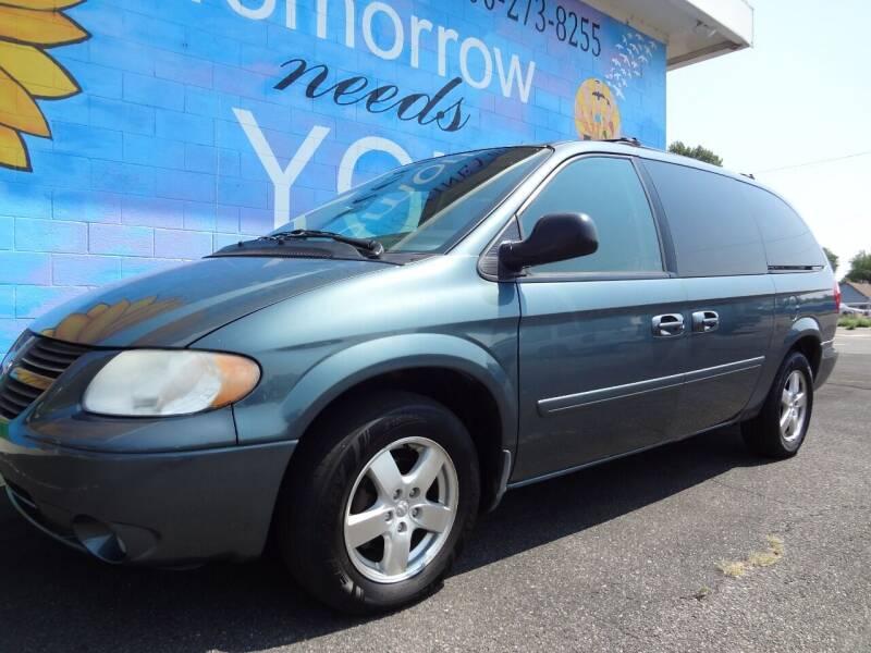 2007 Dodge Grand Caravan for sale at FINISH LINE AUTO SALES in Idaho Falls ID