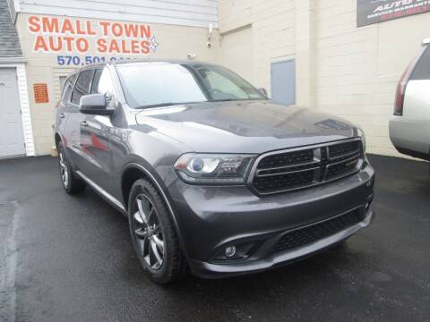 2015 Dodge Durango for sale at Small Town Auto Sales in Hazleton PA
