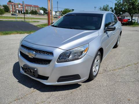 2013 Chevrolet Malibu for sale at Auto Hub in Grandview MO