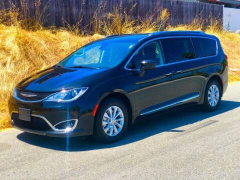 2019 Chrysler Pacifica for sale at Elite Car Center in Spring Valley CA