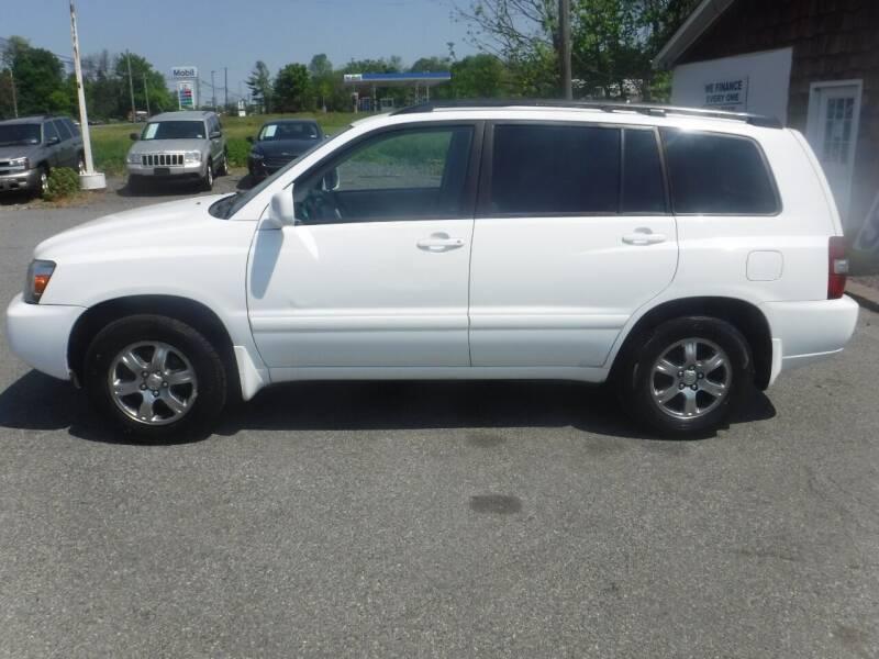 2004 Toyota Highlander for sale at Trade Zone Auto Sales in Hampton NJ