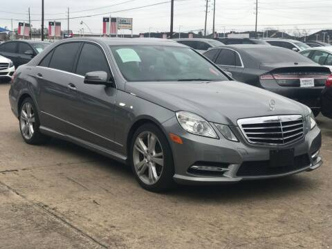 2013 Mercedes-Benz E-Class for sale at Discount Auto Company in Houston TX