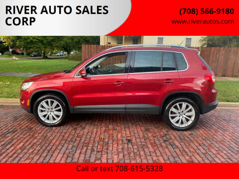 2011 Volkswagen Tiguan for sale at RIVER AUTO SALES CORP in Maywood IL