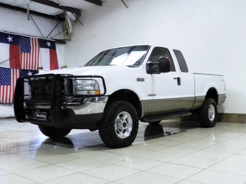 2004 Ford F-250 Super Duty for sale at ROADSTERS AUTO in Houston TX