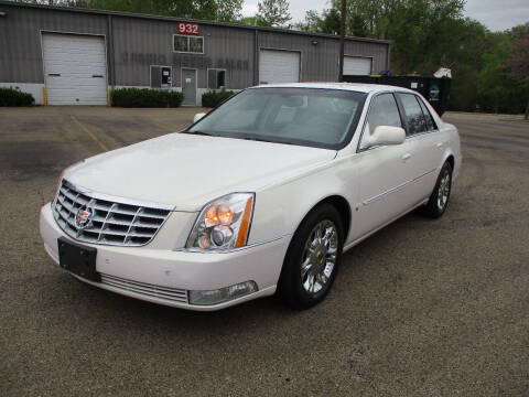 2006 Cadillac DTS for sale at Triangle Auto Sales in Elgin IL