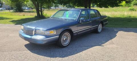 1996 Lincoln Town Car for sale at SOUTHERN AUTO GROUP, LLC in Grand Rapids MI