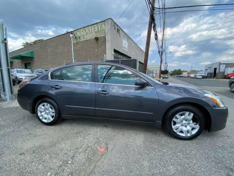 2012 Nissan Altima for sale at Illinois Auto Sales in Paterson NJ
