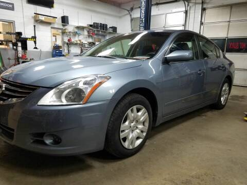 2012 Nissan Altima for sale at AM Automotive in Erin TN