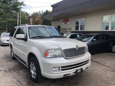 2006 Lincoln Navigator for sale at Six Brothers Auto Sales in Youngstown OH