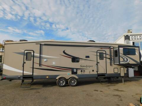 2015 Forest River SANDPIPER 366FL for sale at Gold Country RV in Auburn CA