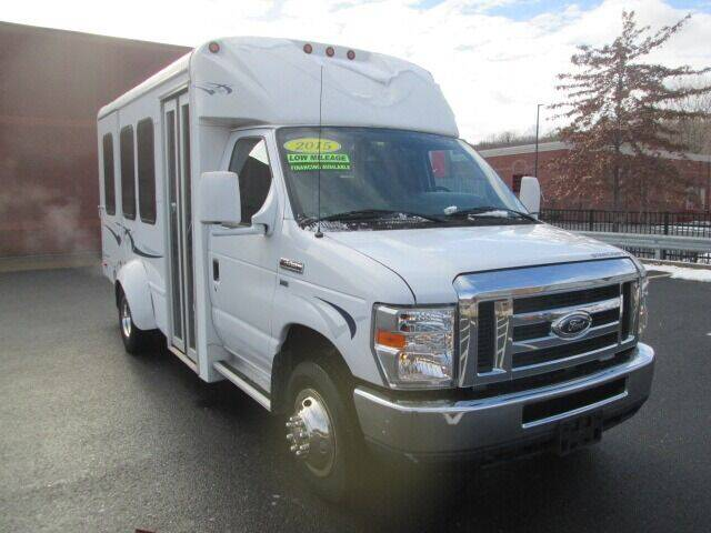 2015 Ford E-Series Chassis for sale at Tri Town Truck Sales LLC in Watertown CT