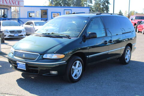 1997 Chrysler Town and Country for sale at BAYSIDE AUTO SALES in Everett WA