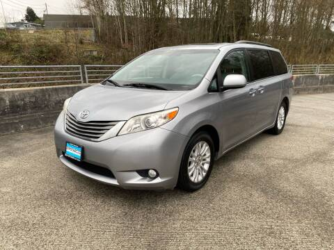 2011 Toyota Sienna for sale at Zipstar Auto Sales in Lynnwood WA