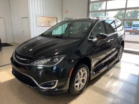 2017 Chrysler Pacifica for sale at PRINCE MOTORS in Hudsonville MI