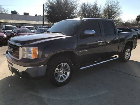 2011 GMC Sierra 1500 for sale at AMIGO USED CARS in Houston TX