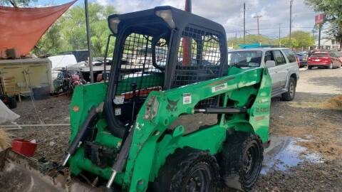 2015 A BOBCAT S510    SKIDSTER  front loader for sale at C.J. AUTO SALES llc. in San Antonio TX