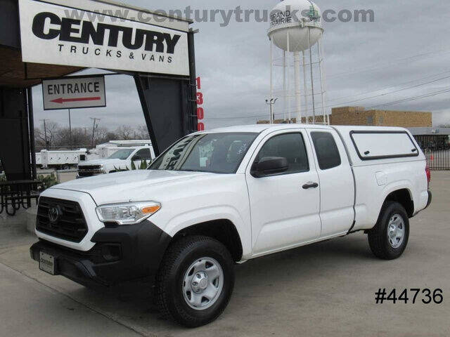 2018 Toyota Tacoma for sale at CENTURY TRUCKS & VANS in Grand Prairie TX