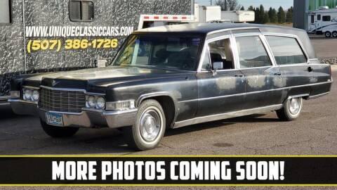 1969 Cadillac SOVEREIGN COMBO HEARSE for sale at UNIQUE SPECIALTY & CLASSICS in Mankato MN