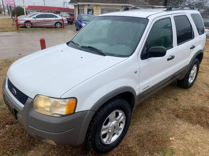 2001 Ford Escape for sale at Texas Select Autos LLC in Mckinney TX