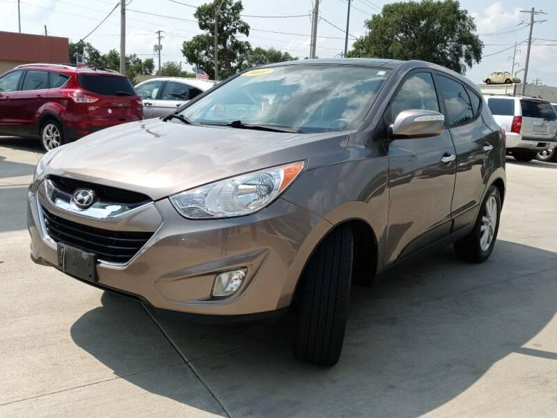 2011 Hyundai Tucson for sale at EURO MOTORS AUTO DEALER INC in Champaign IL