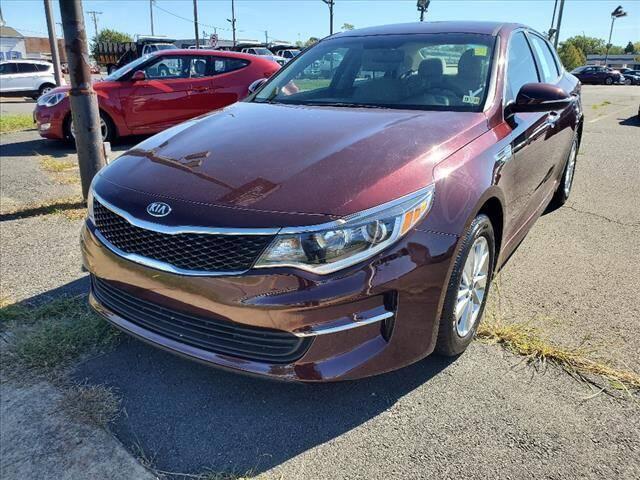 2018 Kia Optima for sale at Auto Connection in Manassas VA