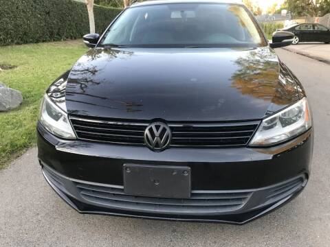 2011 Volkswagen Jetta for sale at Car Lanes LA in Valley Village CA