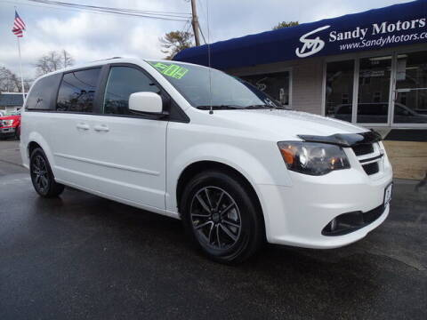 2017 Dodge Grand Caravan for sale at Sandy Motors Inc in Coventry RI