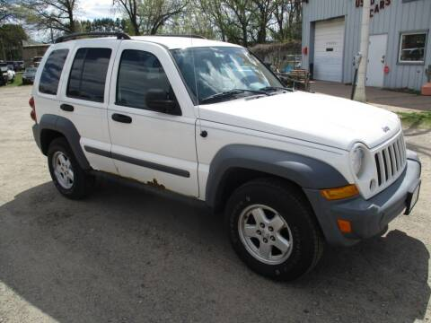 2005 Jeep Liberty for sale at D & T AUTO INC in Columbus MN
