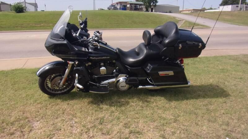2013 Harley-Davidson Road Glide Ultra for sale at 6 D's Auto Sales MANNFORD in Mannford OK
