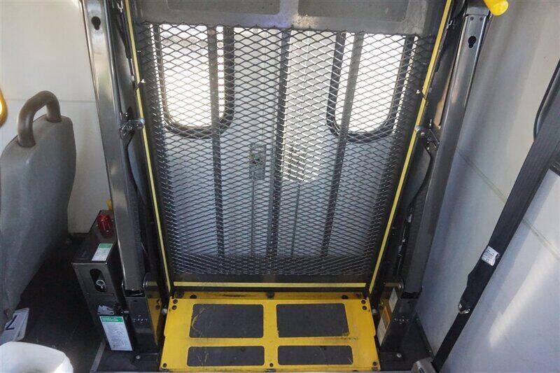 2013 Ford E-Series Chassis E-450 SD 2dr Commercial/Cutaway/Chassis 158-176 in. WB - Fremont CA