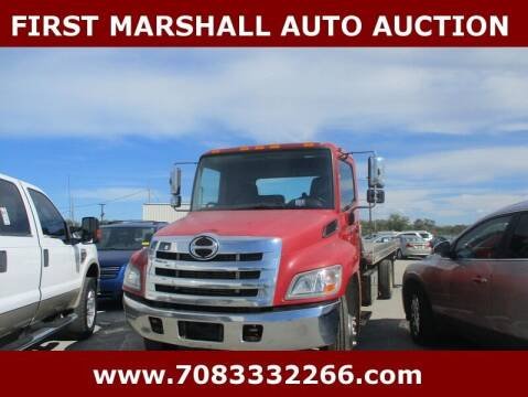 2013 Hino 268 for sale at First Marshall Auto Auction in Harvey IL