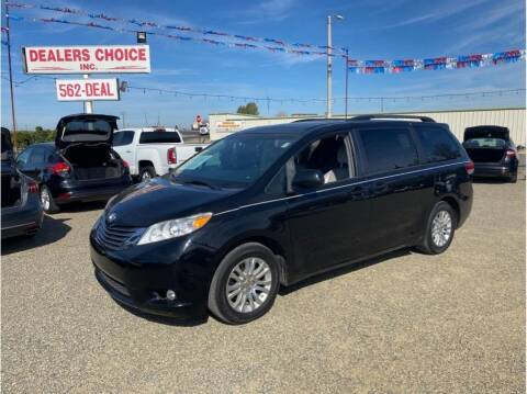 2013 Toyota Sienna for sale at Dealers Choice Inc in Farmersville CA