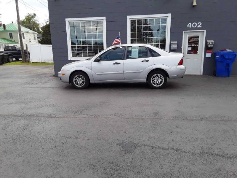 2007 Ford Focus for sale at Creditmax Auto Sales in Suffolk VA