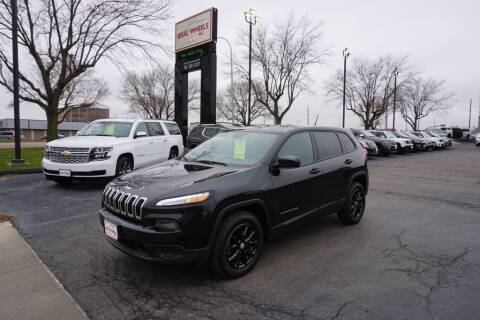 2015 Jeep Cherokee for sale at Ideal Wheels in Sioux City IA
