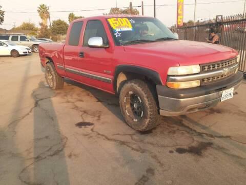2001 Chevrolet Silverado 1500 for sale at COMMUNITY AUTO in Fresno CA