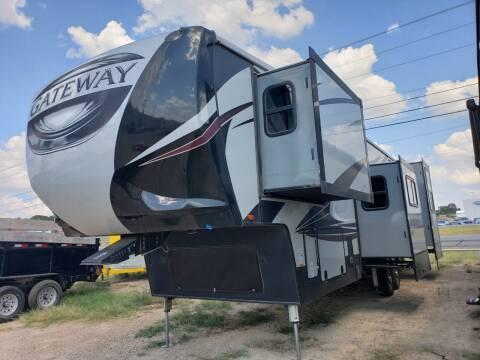 2017 Heartland Gateway  for sale at Ultimate RV in White Settlement TX