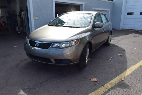 2011 Kia Forte for sale at L&J AUTO SALES in Birdsboro PA