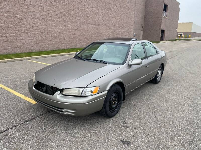 1998 Toyota Camry for sale at JE Autoworks LLC in Willoughby OH